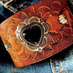 Leather cuff, onyx heart
